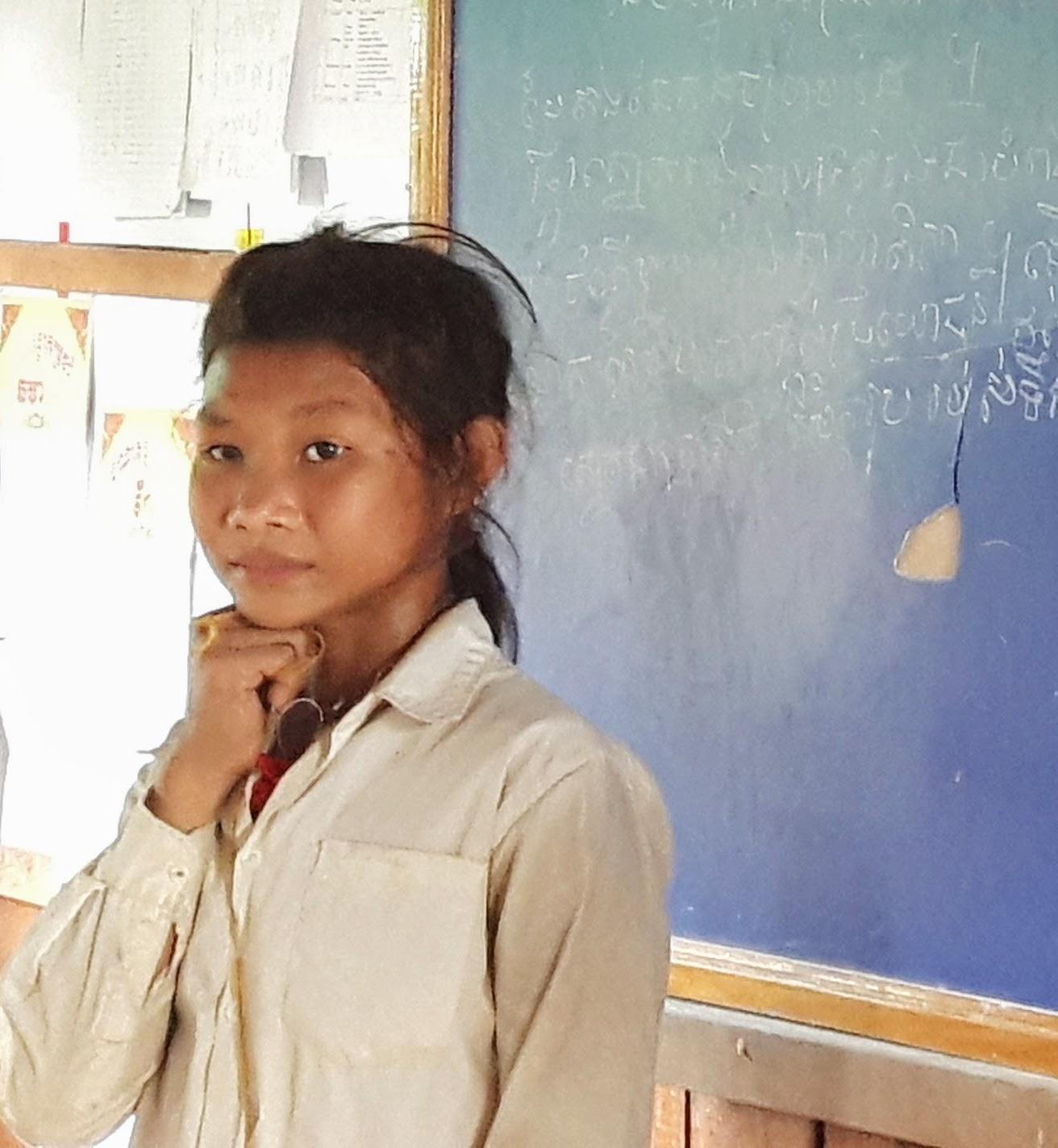 Channy, jovem cambojana de vinte e poucos anos.
